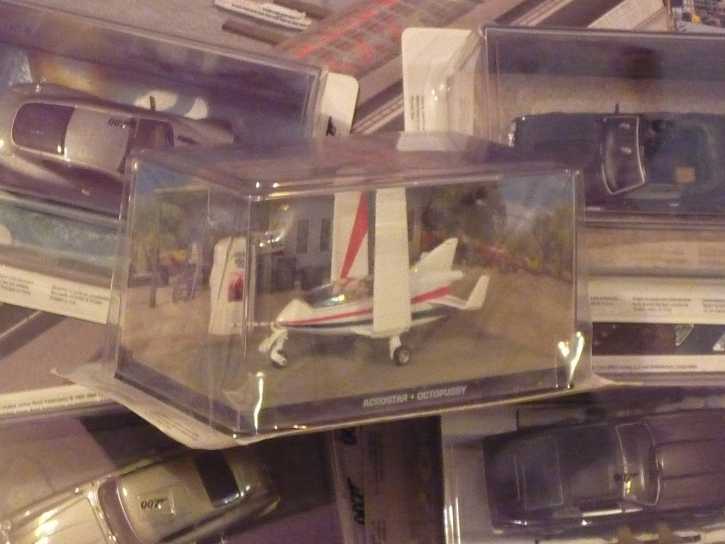 vos collections Bond054-p1080420-4590a48